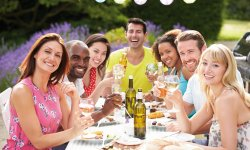 Beim Wein © Monkey Business - Fotolia.com